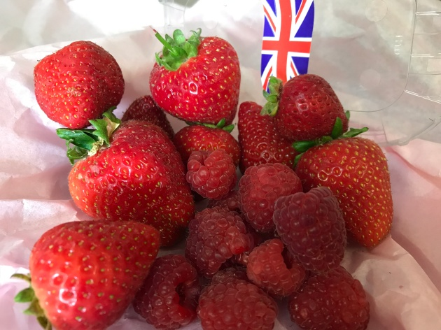 Strawberries & Raspberries English Sept 17